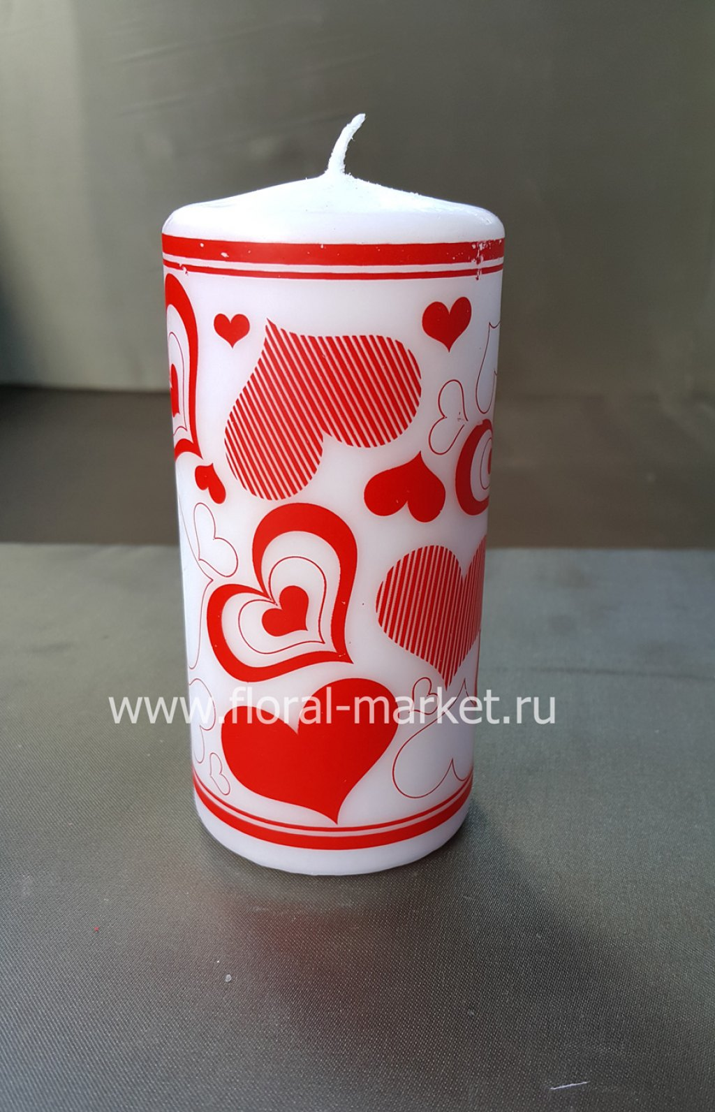 С0519 Свеча пенек красный с сердечками