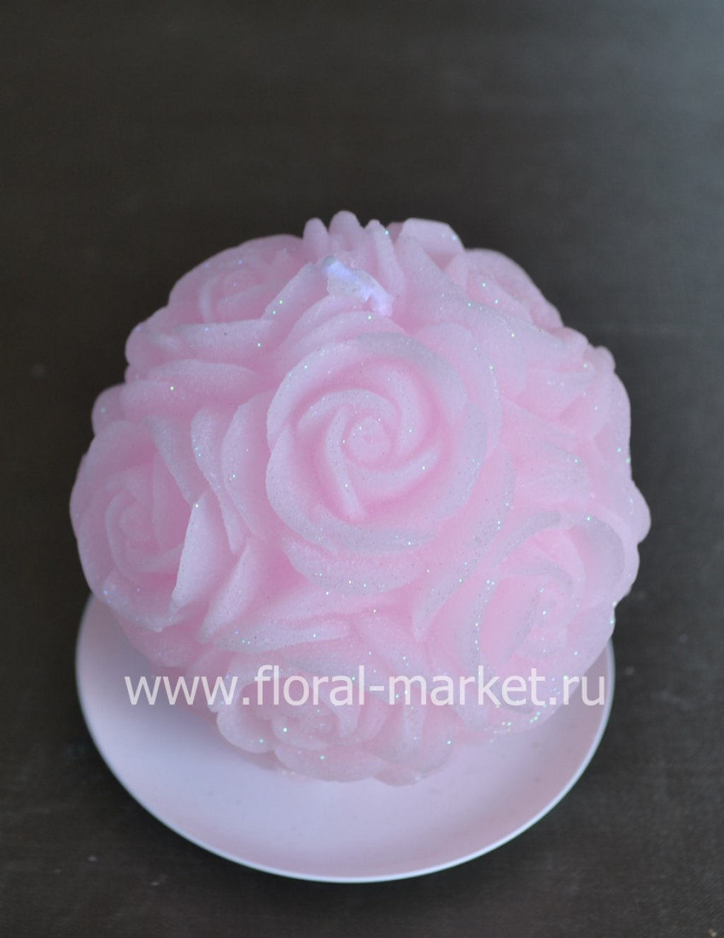 С3384 Свеча шар в розах розовый бархатный