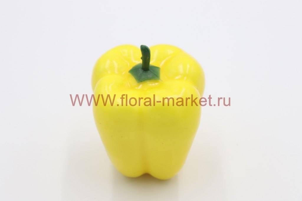 Фрукты крупные Болгарский перец желтый
