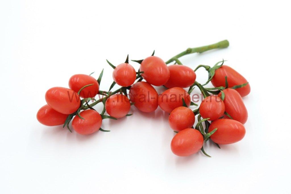 Связка помидор красные