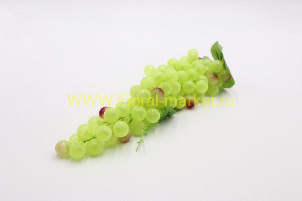 Виноград огромный